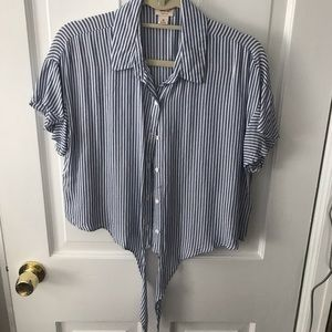 Mossimo tie front top.